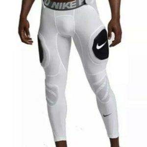 Nike Pro Combat Hyperstrong Hard Plate Football